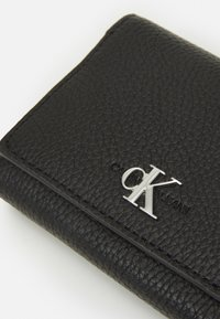 Calvin Klein Jeans - TRIFOLD MEDIUM - Wallet - black - 4