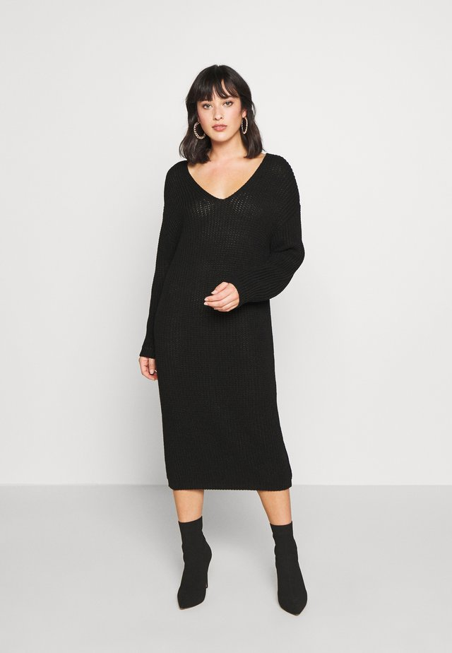 V NECK DRESS - Abito in maglia - black