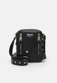 MOSCHINO - SHOULDER BAG UNISEX - Across body bag - black - 3