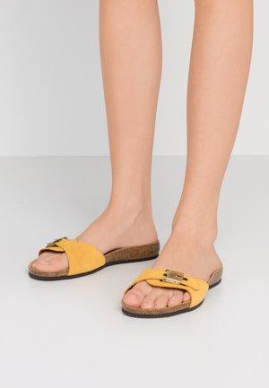 BAHAMAIS - Slippers - jaune/ocre