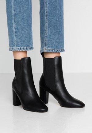 OTTY - Ankelboots med høye hæler - black