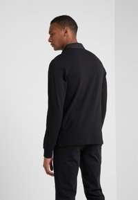 Hackett Aston Martin Racing - PIPED SEAM - Polo - black - 2