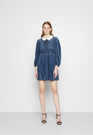 CHOUX MINI DRESS - Juhlamekko - blue
