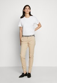 s.Oliver - LANG - Chinos - brown - 1