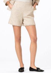 HALLHUBER - Shorts - creme - 0
