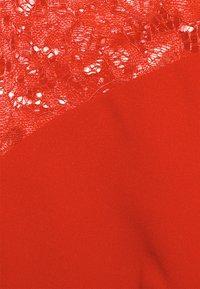 WAL G. - MADELINE MIDI DRESS - Shift dress - red - 5