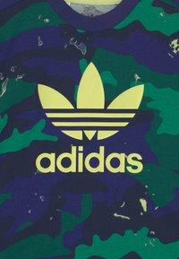 adidas Originals - TEE SET UNISEX - Camiseta estampada - night sky/multicolor - 3