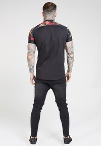 SIKSILK - Overhemd - jet blackfloral animal - 2