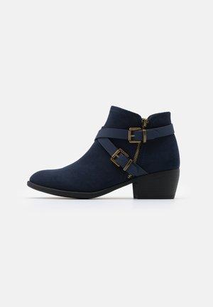 AVENGER - Ankle boot - navy