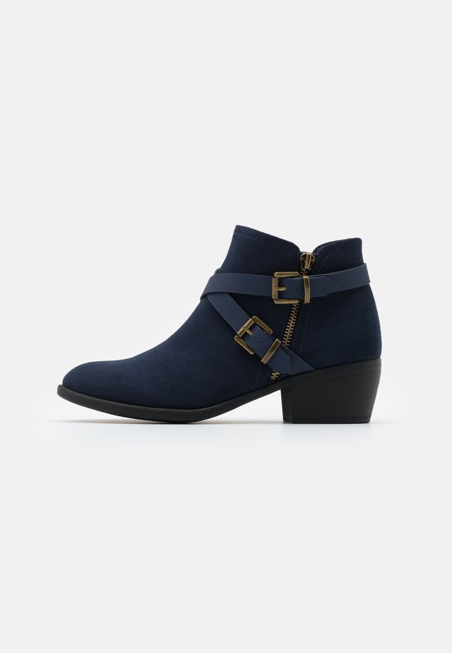 AVENGER - Ankle boot - navy