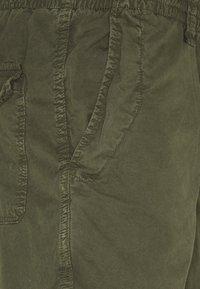 Schott - Shorts - khaki - 2
