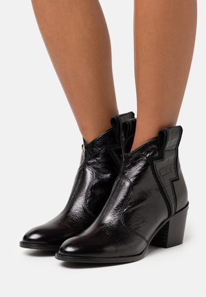 MOLLY FLASH - Cowboy/biker ankle boot - noir