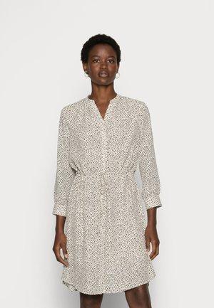 SLFDAMINA  DRESS  - Shirt dress - sandshell