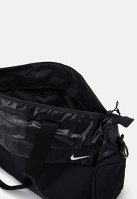 Nike Performance - RADIATE CLUB 2.0 - Bolsa de deporte - black/black/white - 2