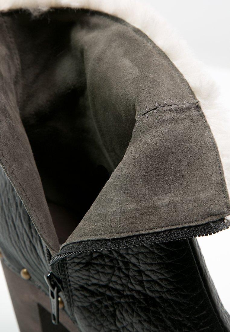 Softclox FAHIMI Plateaustiefelette schwarz