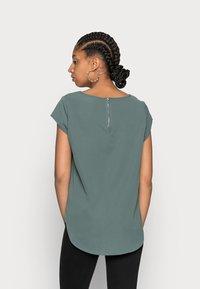 ONLY - ONLVIC SOLID  - T-shirt - bas - balsam green - 2