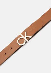 Calvin Klein - LOGO BELT  - Pásek - cognac - 2