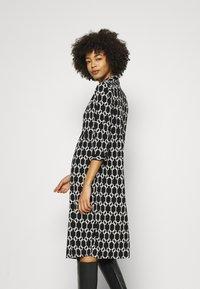 Wallis - CHAIN DRESS - Vestido ligero - mono - 2