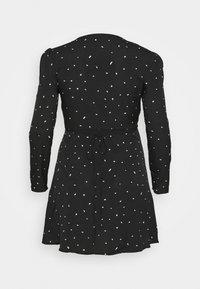 Missguided Plus - PLUS SIZE BUTTON LS DALMATIAN TEA DRESS - Day dress - black - 1