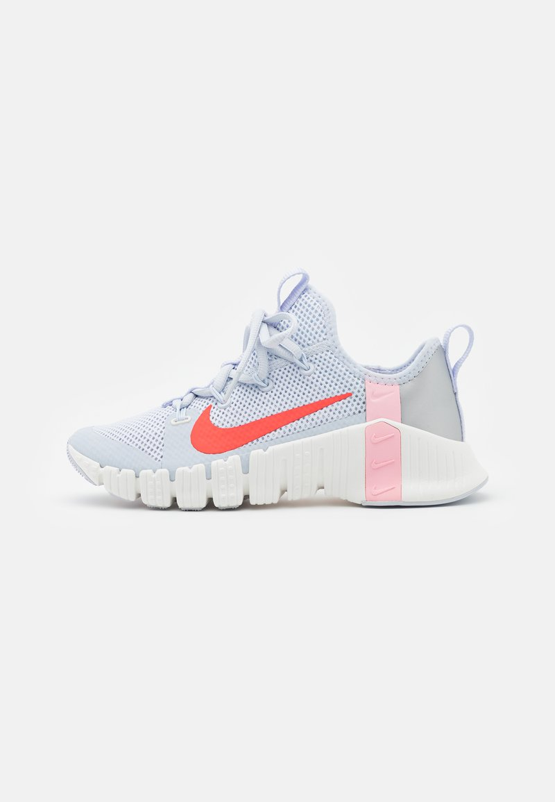 Nike Performance - FREE METCON 3 - Sports shoes - football grey/bright crimson/summit white/arctic punch/metallic silver