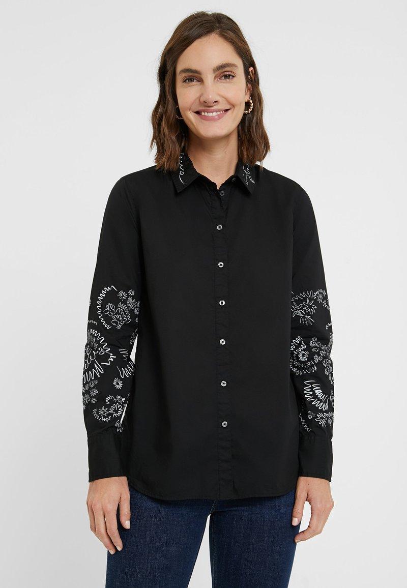 Desigual - CHIARA - Button-down blouse - black