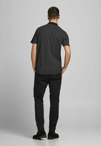 Jack & Jones PREMIUM - REGULAR FIT - Poloshirt - black - 2