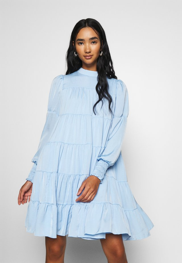 YASNUGA DRESS - Vapaa-ajan mekko - powder blue
