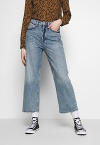 Monki - MOZIK - Relaxed fit jeans - blue - 0