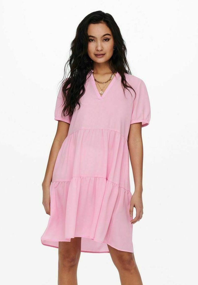 RÜSCHEN - Korte jurk - lilac sachet