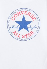 Converse - CHUCK PATCH LONG SLEEVE TEE UNISEX - Camiseta de manga larga - white - 2