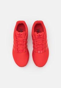 adidas Originals - ZX FLUX UNISEX - Trainers - red - 3