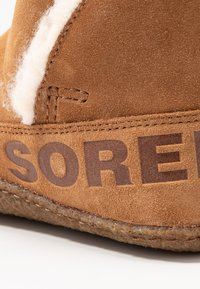Sorel - NAKISKA BOOTIE - Classic ankle boots - camel brown - 2