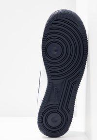 Nike Sportswear - AIR FORCE 1'07 - Sneaker low - white/obsidian/white/ocean cube - 6