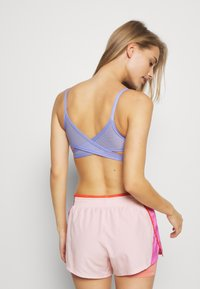 Nike Performance - INDY BRA - Sport BH - light thistle/black - 2