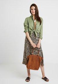 mint&berry - LEATHER - Shopping bag - cognac - 1