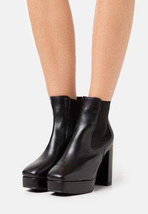 DEIDRAH - Kotníková obuv na vysokém podpatku - black