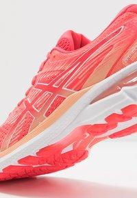 ASICS - GT-2000 8  - Stabilty running shoes - diva pink/white - 5