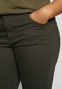 Dorothy Perkins Curve - DARCY RAW EDGE JEAN - Jeans Skinny - khaki - 4