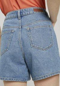 TOM TAILOR DENIM - Denim shorts - clean mid stone blue denim - 4
