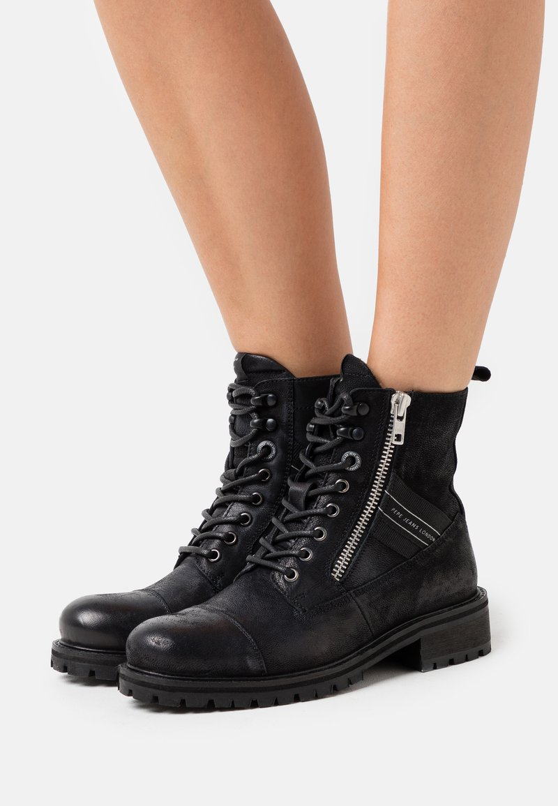 Pepe Jeans - MELTING TAPE WOMAN  - Lace-up ankle boots - black