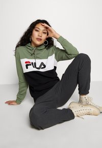 Fila Tall - LORI HOODY - Jersey con capucha - sea spray/black/bright white - 3