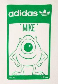 adidas Originals - HOODIE MIKE UNISEX - Collegepaita - off white - 2