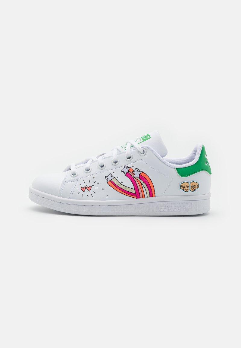 adidas Originals - STAN SMITH UNISEX - Trainers - footwear white/vivid green