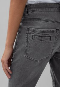 Marc O'Polo - THEDA - Relaxed fit jeans - grey effect wash - 4