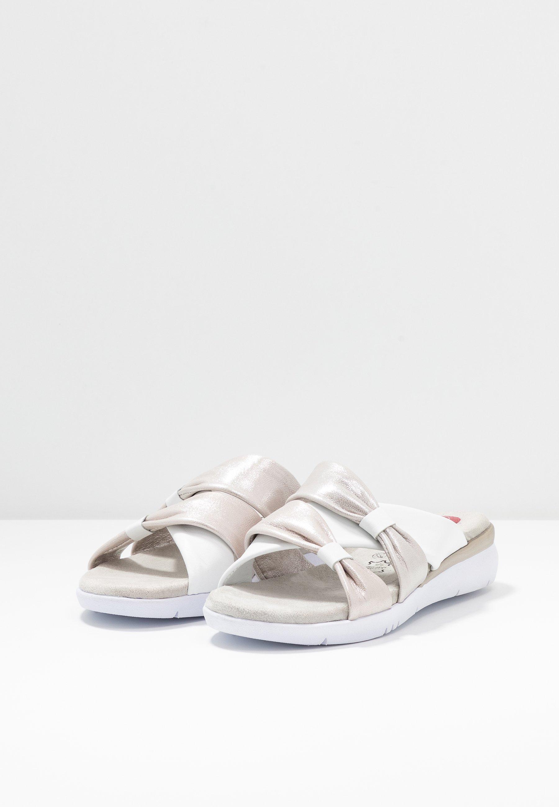 Jana SLIDES Pantolette flach white/silver/weiß
