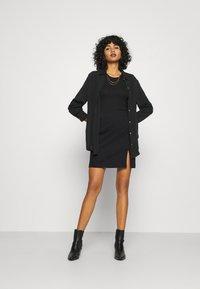 Noisy May - NMBALE SLIT SKIRT - Mini skirt - black - 1