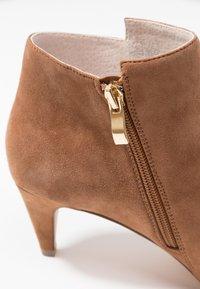 KIOMI - Ankle boots - cognac - 2