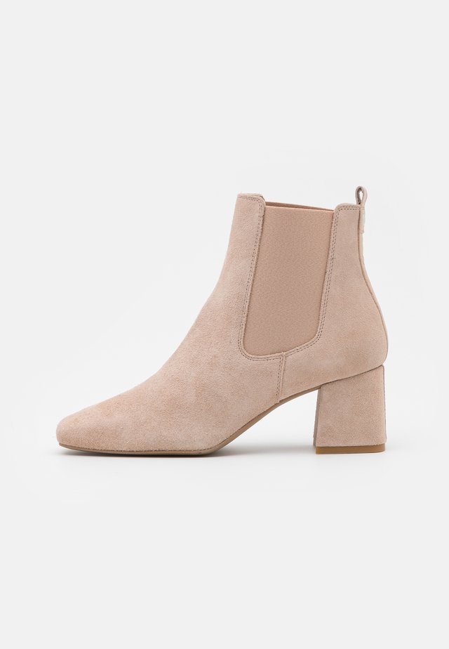 Classic ankle boots - nude