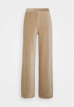 SLAYLN PANTS - Spodnie materiałowe - silver mink
