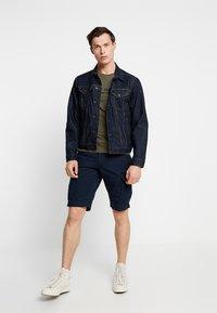 Tommy Hilfiger - JOHN BELT - Shorts - blue - 1